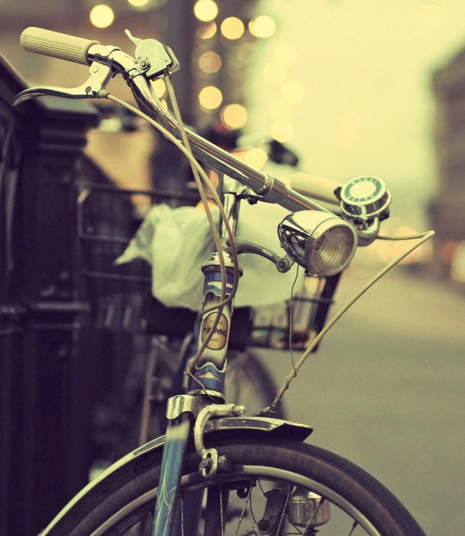 http___www.wallpaperbetter.com_wallpaper_247_468_866_vintage-bike-street-bokeh-photography-1080P-wallpaper.jpg